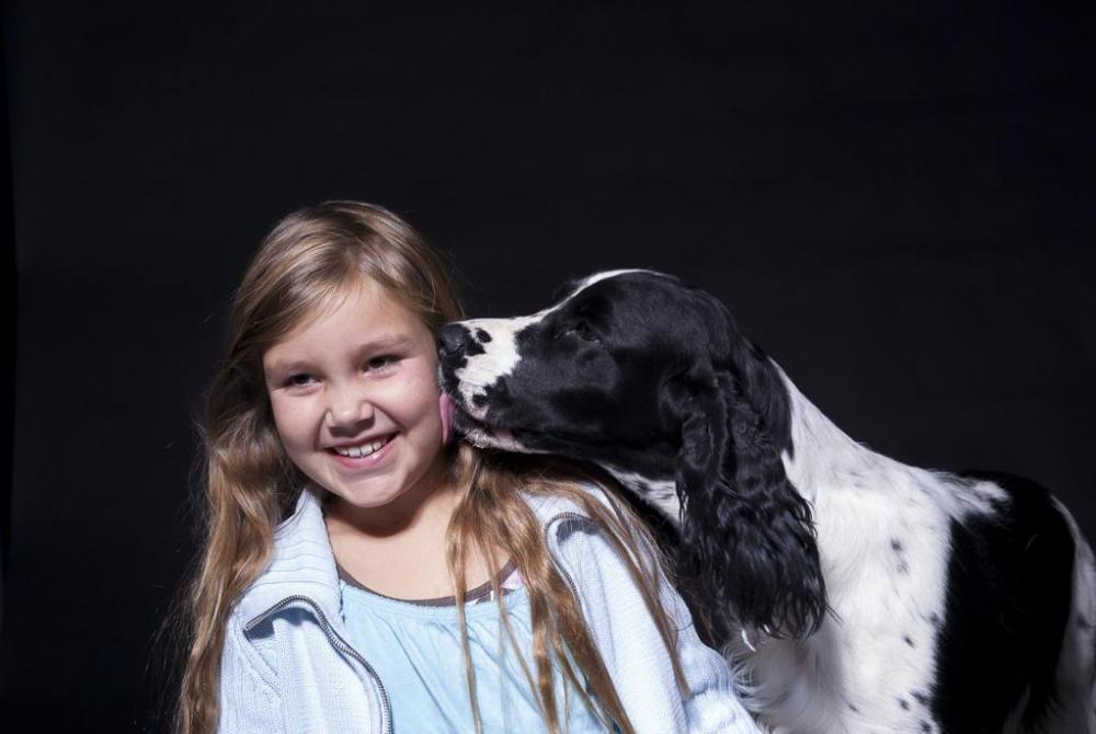 Barn och hund i studio_015.jpg